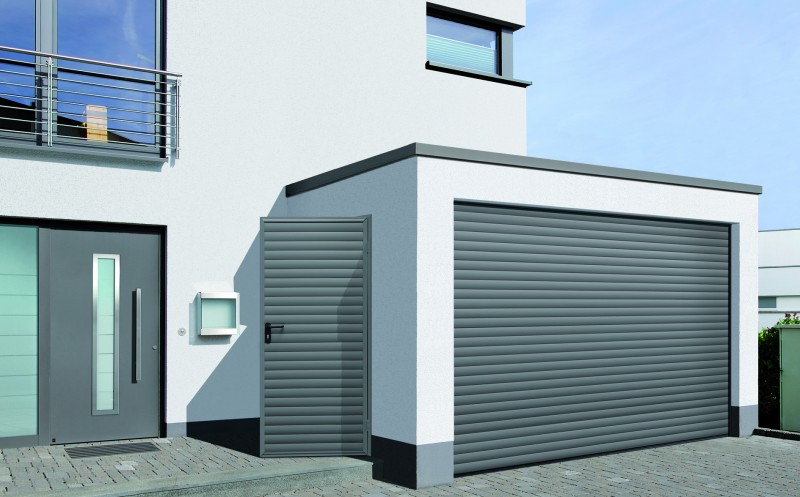 Porte enroulable pour garage rollmatic safelec for Volet de garage enroulable