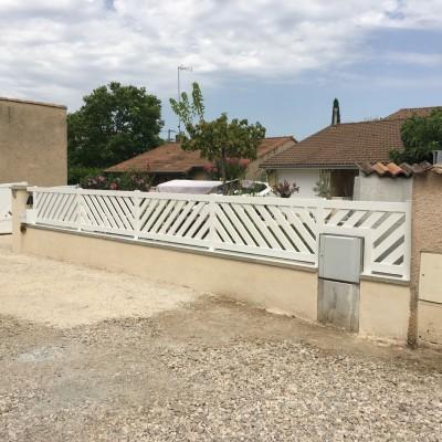 Fabrication d'une clôture en aluminium